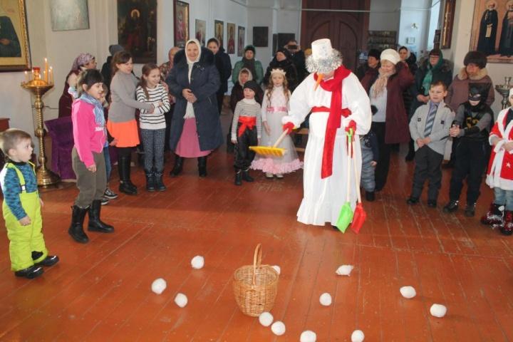 В лопатинском храме состоялась рождественская ёлка