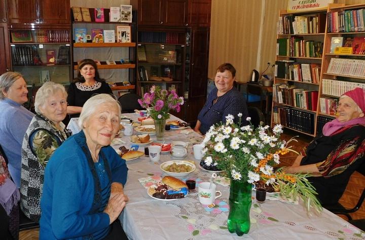 В минувшие выходные состоялось очередное заседание лопатинского клуба ветеранов «Дружба».