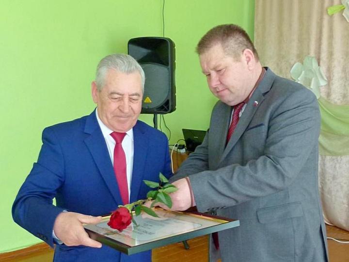 В Лопатинском РДК чествовали работников культуры