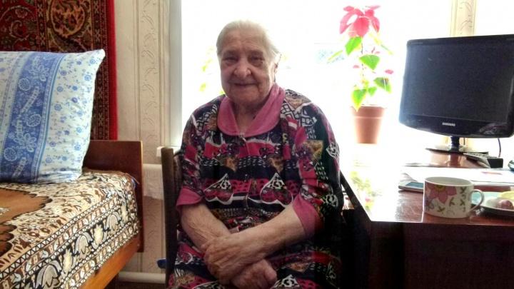 Мария Ивановна Королёва, жительница Лопатина, отметила 10 января 90-й юбилей