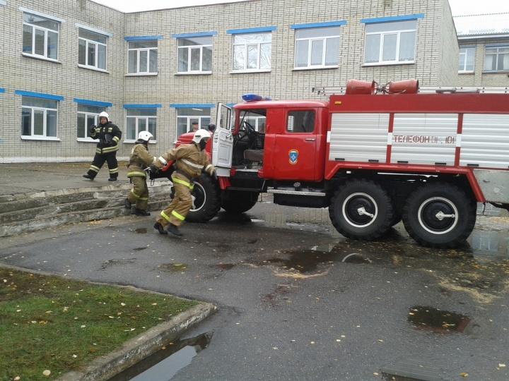 В Лопатине проведено пожарно-тактическое учение по тушению условного пожара