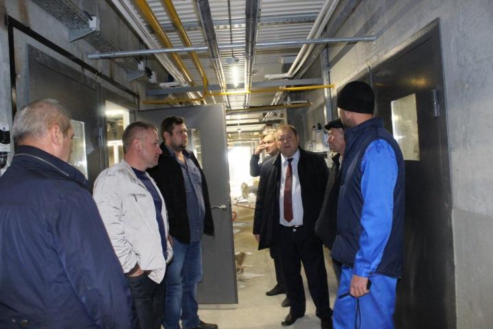 Глава администрации Лопатинского района посетил с рабочим визитом предприятие ООО «Лопатинский бекон»