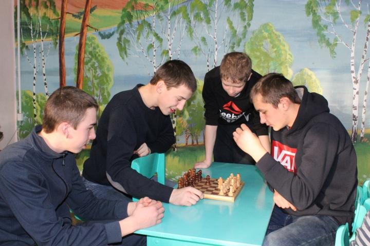 В Лопатинской школе прошёл районный этап Всероссийских соревнований по шахматам среди школьных команд «Белая ладья»