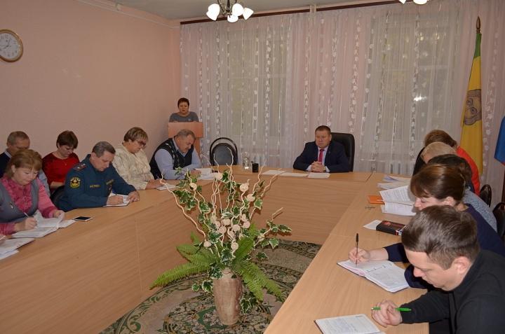 В Лопатинской райадминистрации состоялось заседание совета по улучшению инвестиционного климата