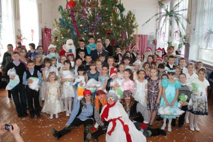 5 января в Лопатине состоялась традиционная «Ёлка главы администрации»