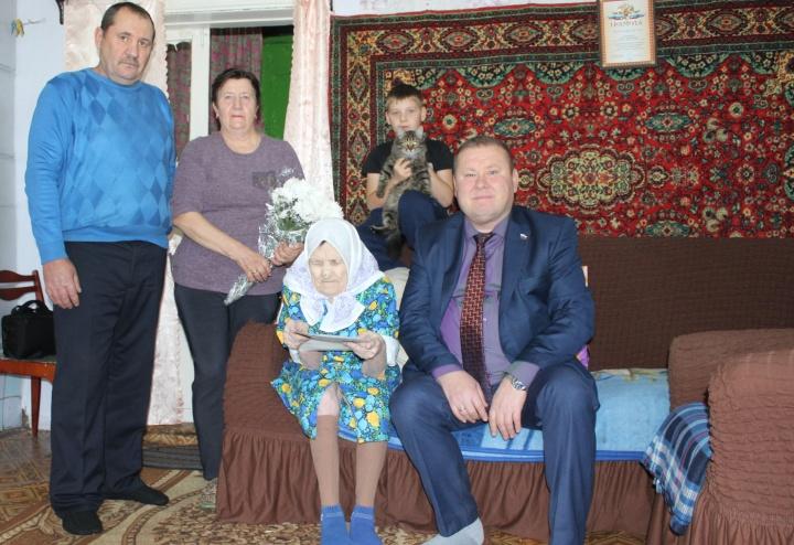 Долгожительница из Лопатинского района отметила юбилей