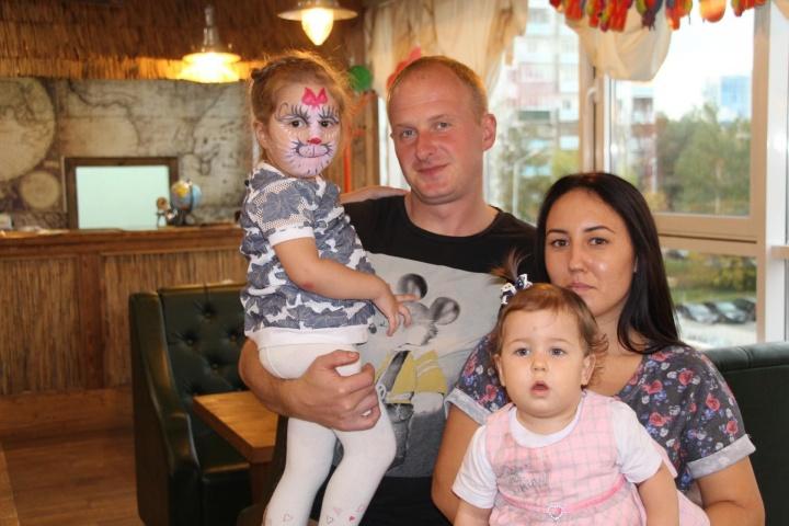 Молодая семья из Лопатина получила возможность улучшить свои жилищные условия