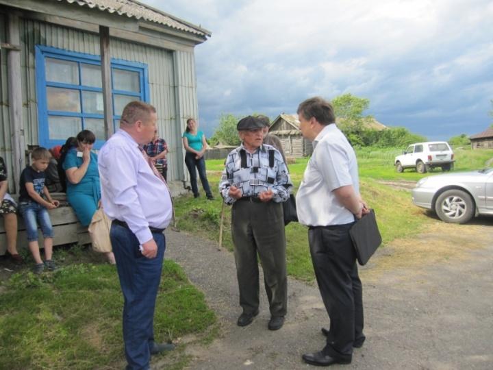 В Лопатинском районе состоялась встреча главы администрации района Ришата Алтынбаева с жителями Камаевки