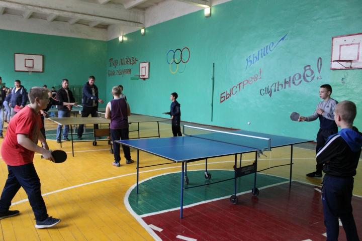 В Лопатине состоялось Первенство района по настольному теннису среди юношей и девушек