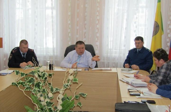 Прокуратурой Лопатинского района проведено межведомственное совещание