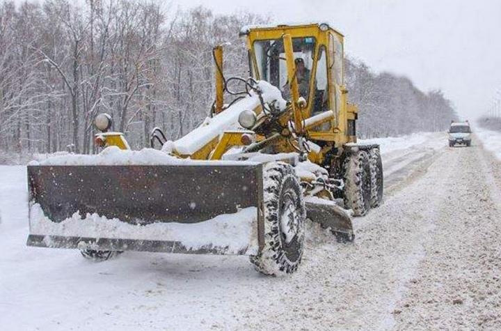 В Лопатинском районе в устранении последствий снегопада было задействовано более 30 единиц снегоуборочной техники