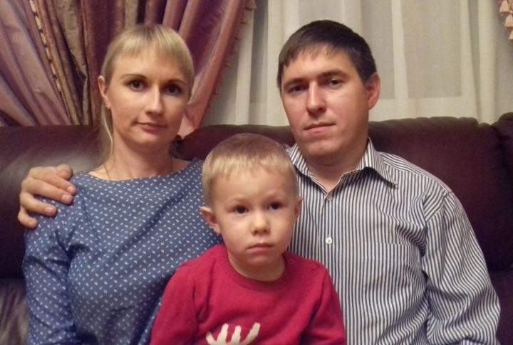 Молодая семья из Лопатинского района получила жилищный сертификат