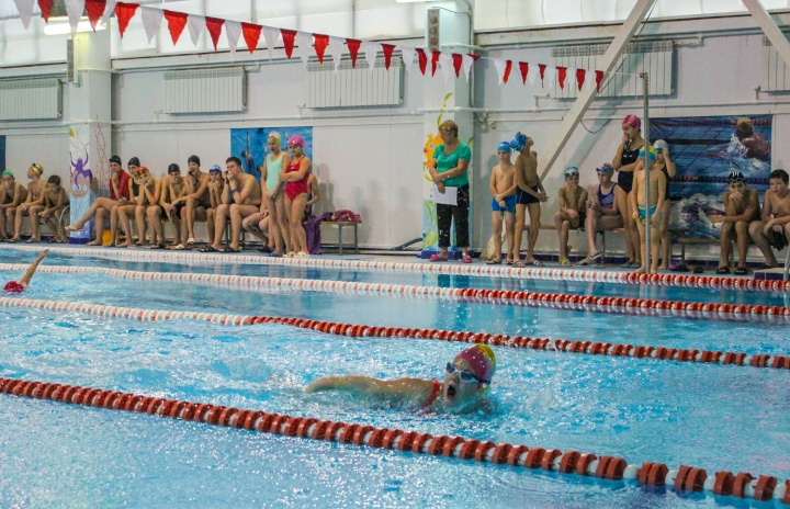 В лопатинской «Акватории» соревновались юные пловцы