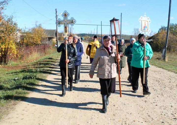 По инициативе жителей села в Сосновке состоялся крестный ход
