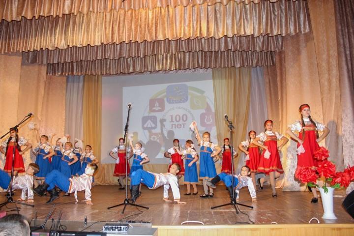 19 декабря в лопатинском Доме культуры отметили 100-летие системы дополнительного образования детей