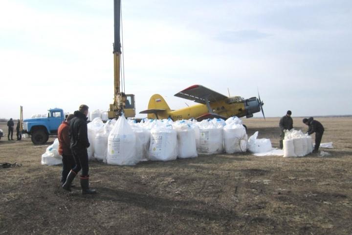 Хозяйства Лопатинсого района используют для работы в поле каждый погожий день