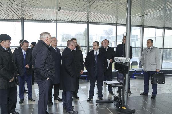 Михаил Бабич заинтересовался проектом нового здания пензенского аэропорта