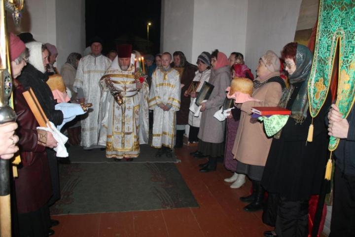 Прихожане лопатинского Никольского храма встретили Светлую Пасху