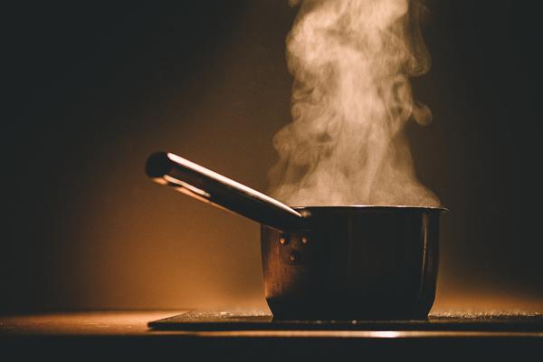 Ночью наулице Лебедевского вПензе при изготовлении еды умер мужчина