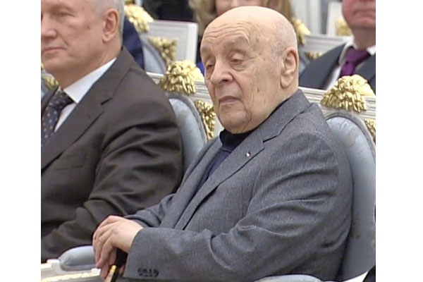 На89-м году жизни скончался артист театра икино Леонид Броневой