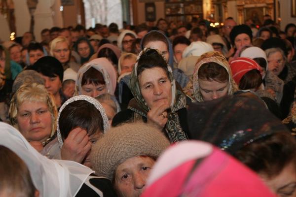 ВстолицеРТ прошел крестный ход вчесть Казанской иконы Божией Матери