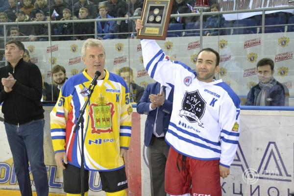 Иван Белозерцев призвал молодежь заниматься спортом