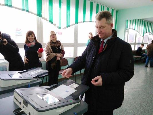 Летчик-космонавт Самокутяев проголосовал навыборах-2018 вПензе